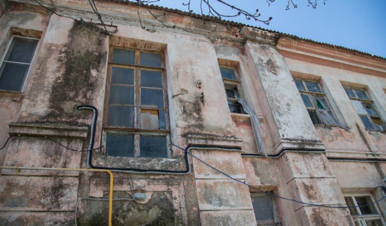 Новоселье неизбежно: новороссийцев переселяют из ветхого дома