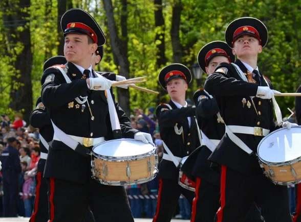 Казачата-барабанщики из Новороссийска откроют парад
