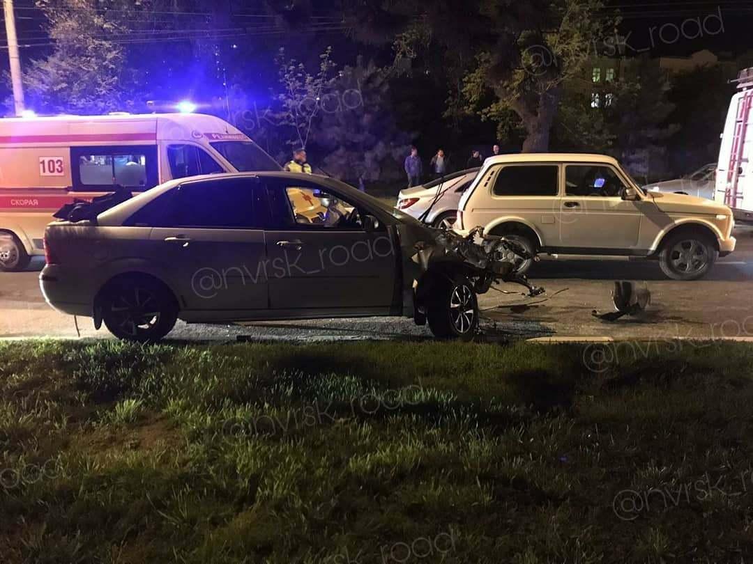 В ночном ДТП в Новороссийске один погиб и шестеро пострадали