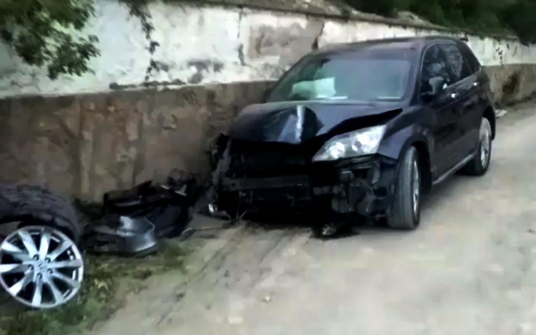 Под Новороссийском бросили разбитую машину