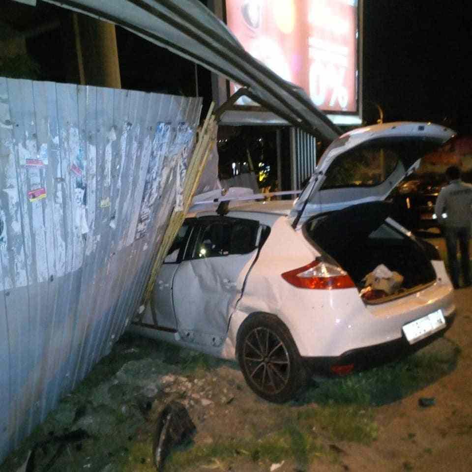 ДТП в Новороссийске: людей вырезали из автомобилей
