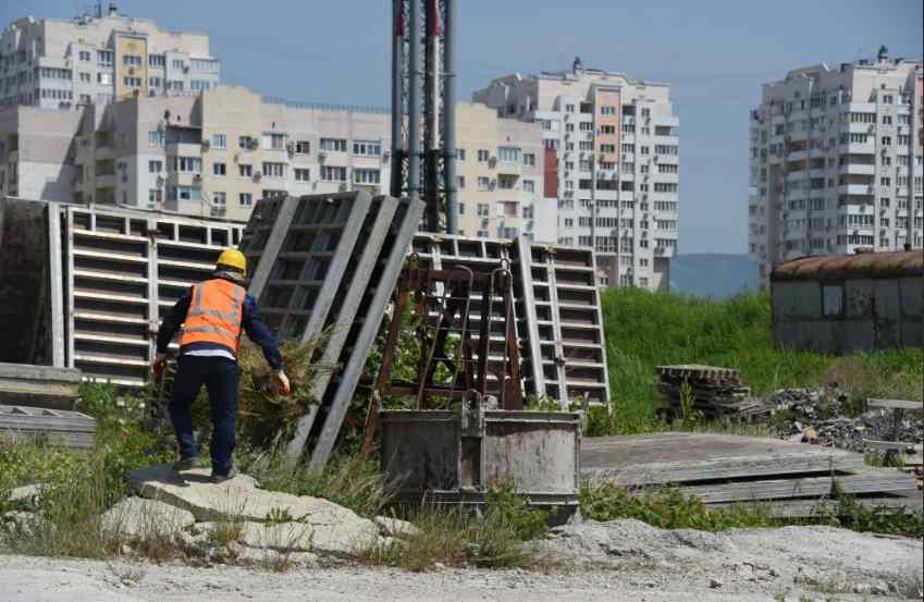 ВНовороссийске ищут варианты, как достроить шесть многоэтажек КЖС