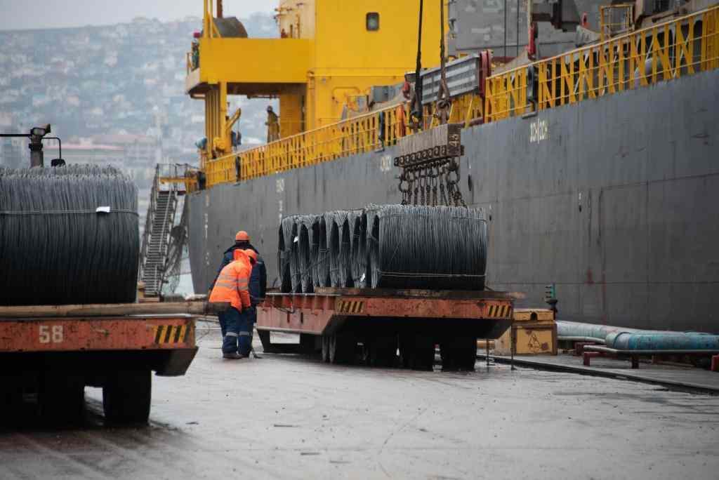 В новороссийский док встало еще четыре судна
