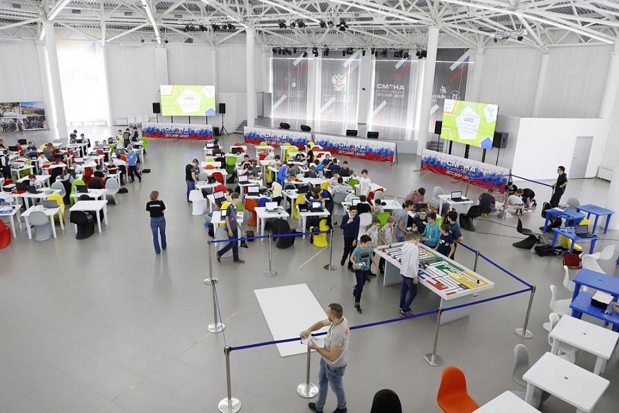 Школьники из Новороссийска победили на Олимпиаде по робототехнике