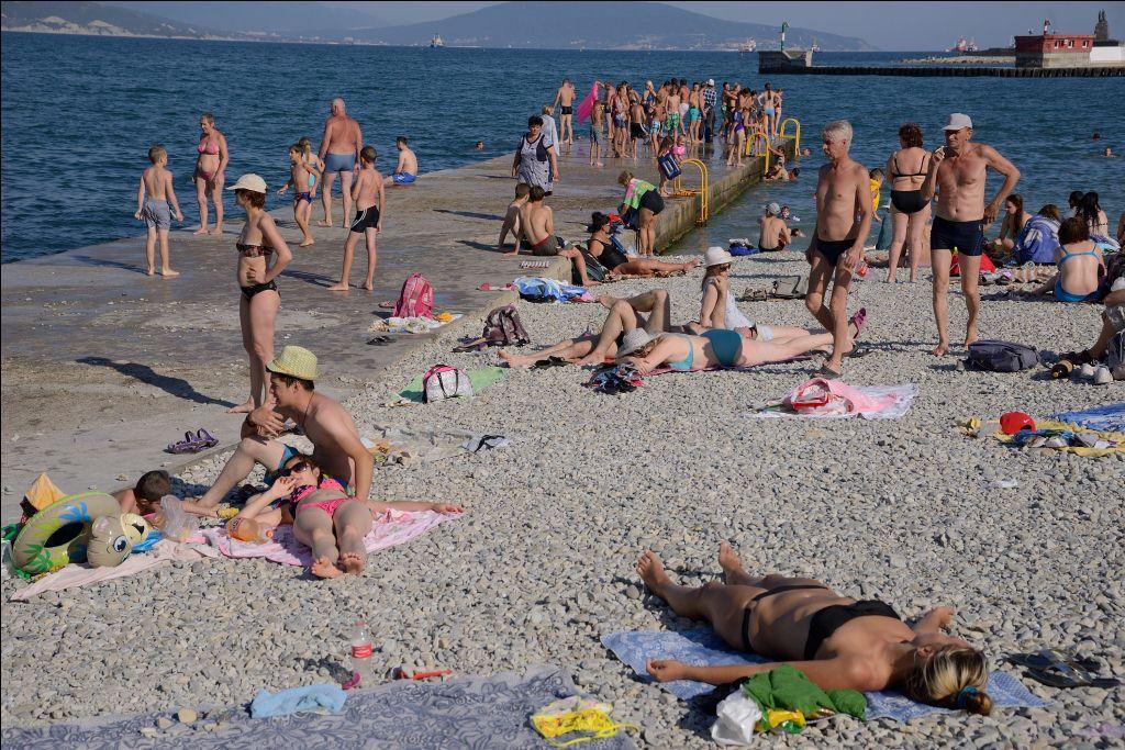 Нелегальным купальщикам в Новороссийске грозят штрафы до 2 тысяч рублей