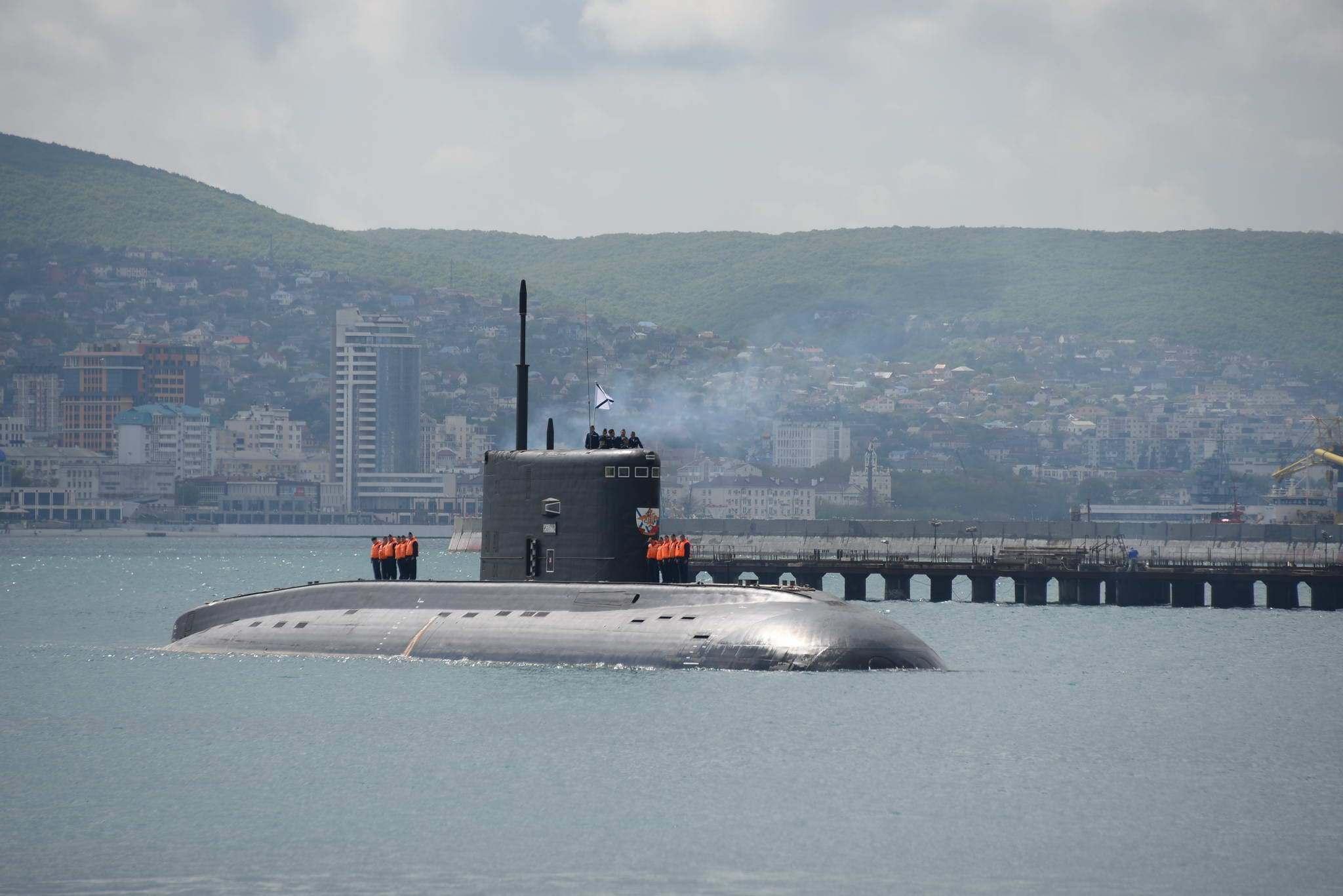 Подлодка «Колпино» прибыла в Новороссийск
