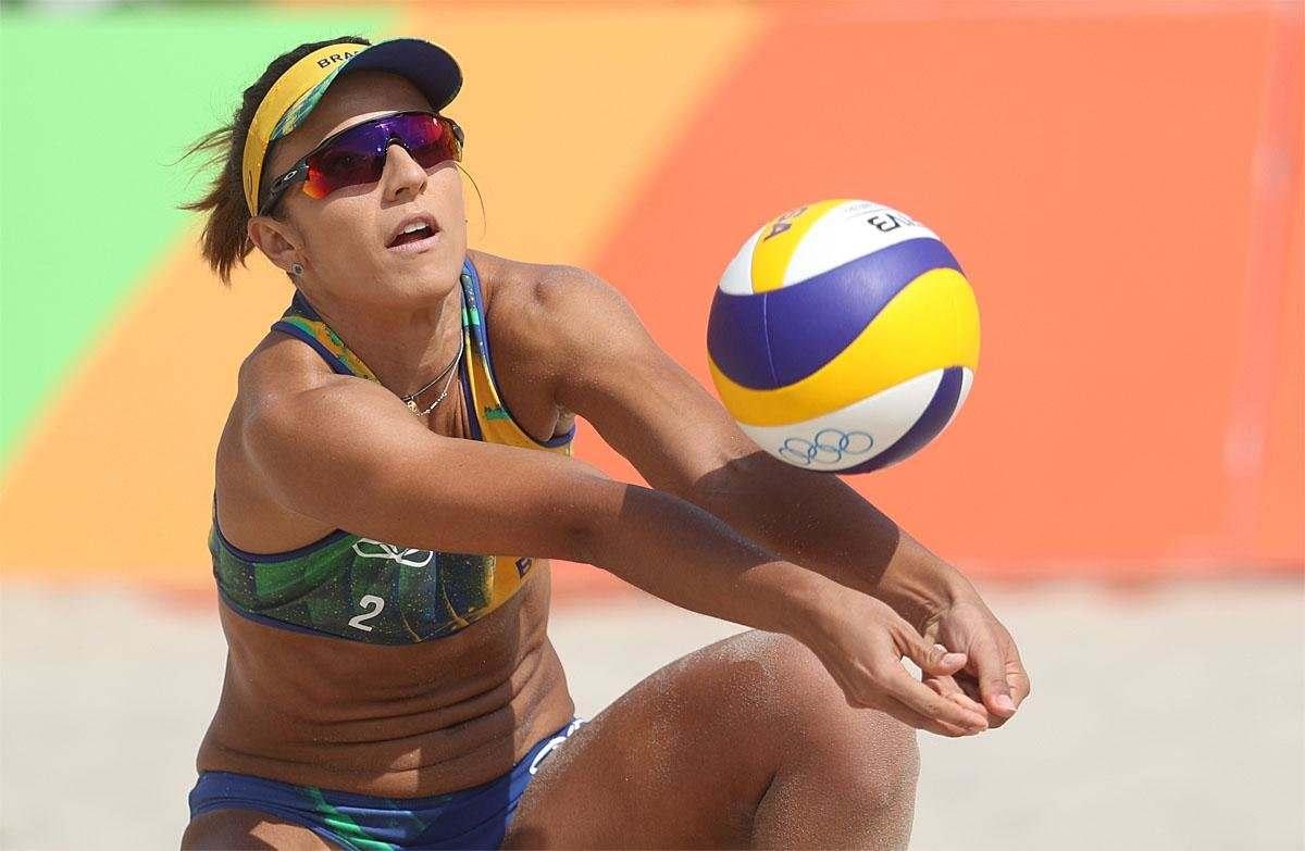 На песке новороссийским волейболисткам не было равных