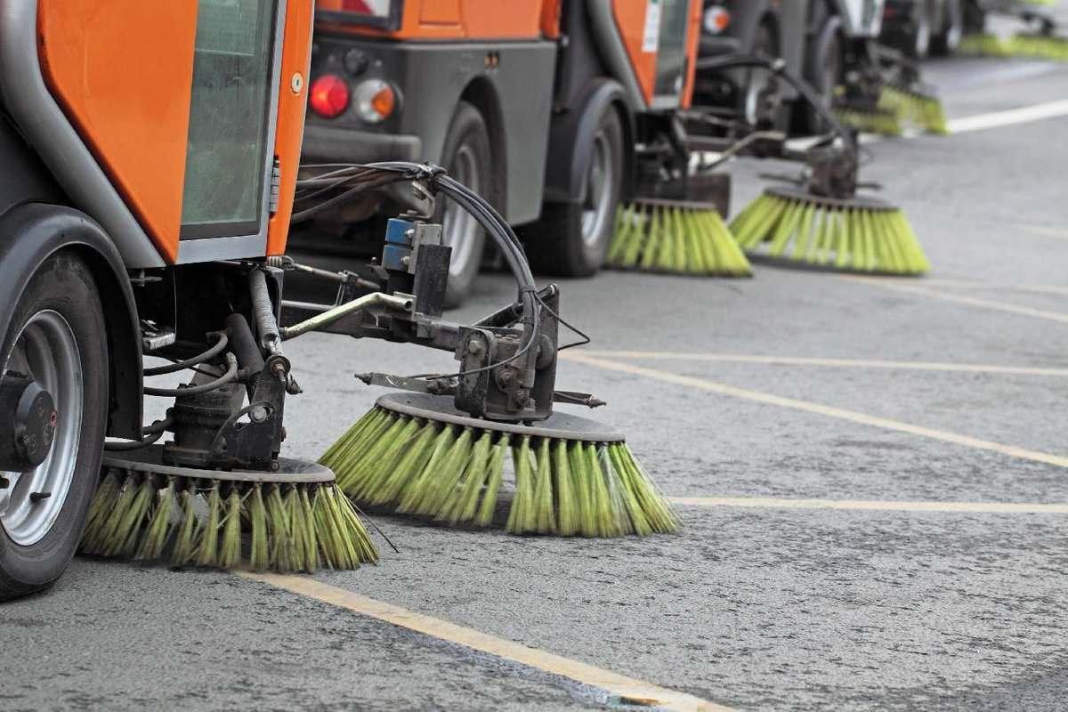 Глава Новороссийска недоволен уборкой и освещением улиц