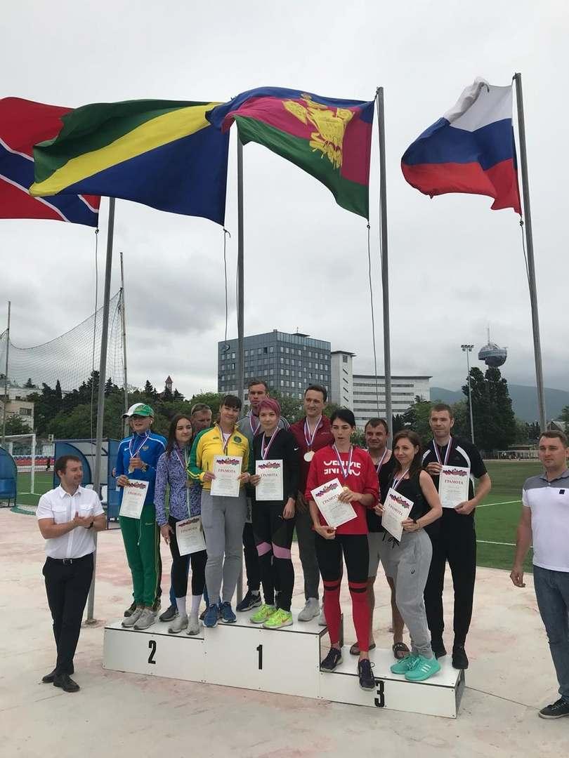 У новороссийских легкоатлетов — медали всех достоинств