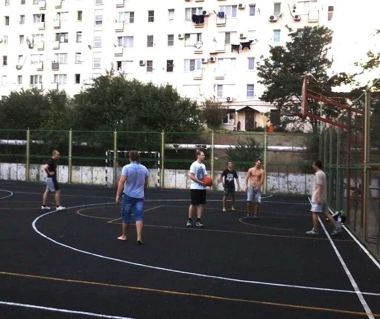 В Новороссийске начали работу спортивные площадки. Адреса и время