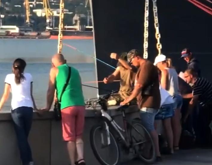 Желаем новороссийским рыбакам отличного клева!