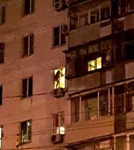 Один истекал кровью, другая пыталась выпрыгнуть из окна: стали известны подробности ночного происшествия в Новороссийске