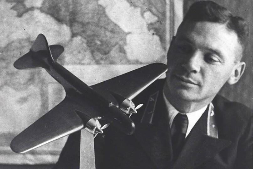 Есть повод вспомнить легендарного новороссийского летчика