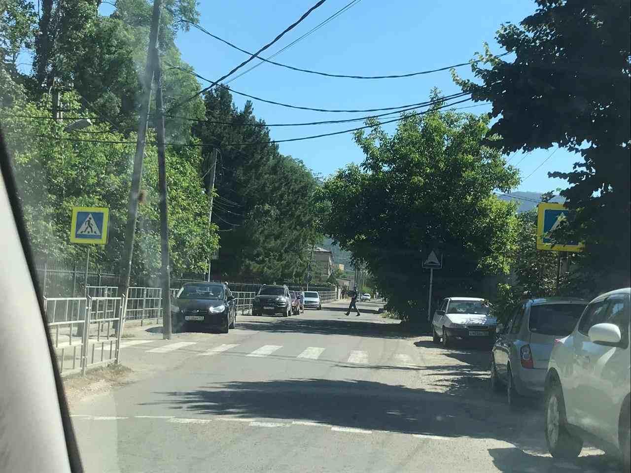 Дорогу вобход пробки вНовороссийск перекрыли «кирпичом»