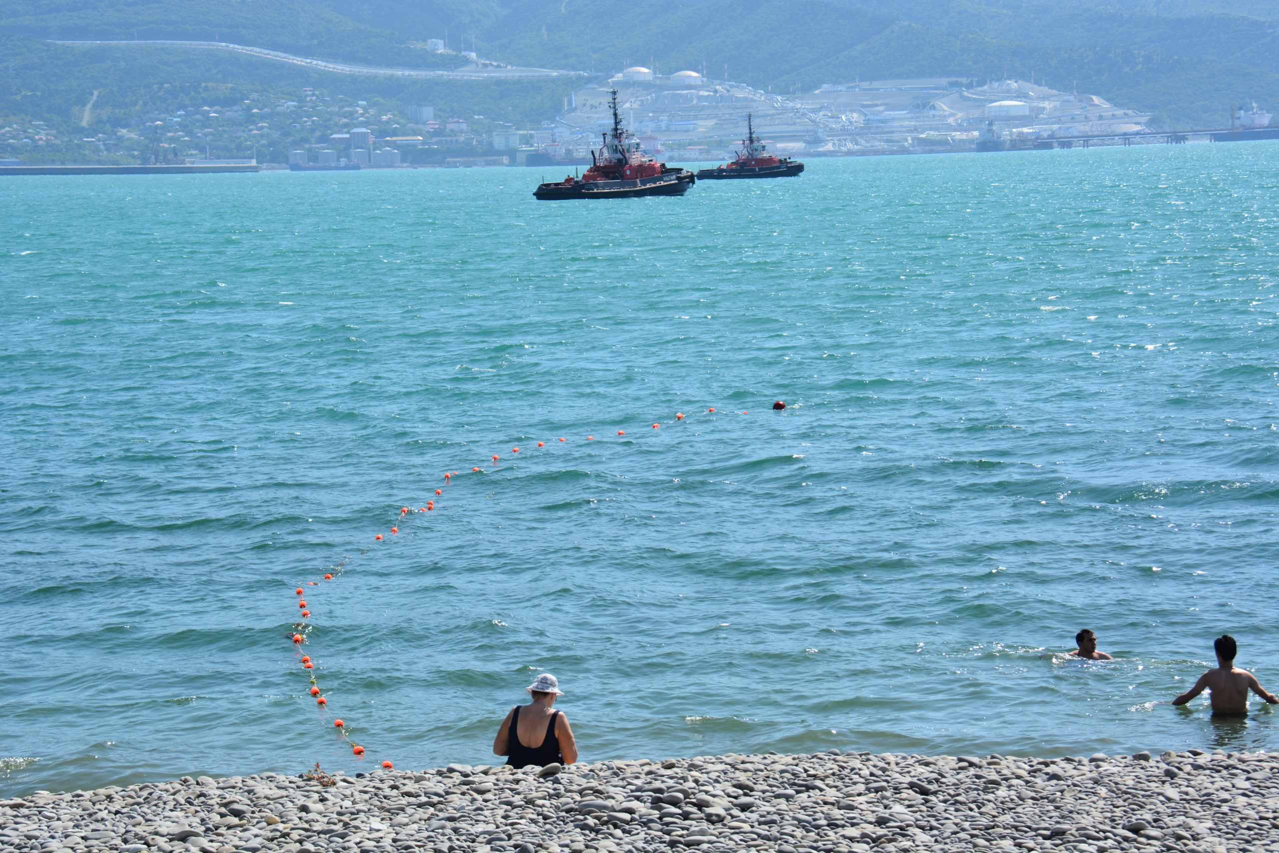 В Новороссийске море чуть не унесло жизни
