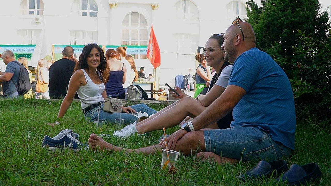 В Абрау под Новороссийском пикник шел нон-стопом