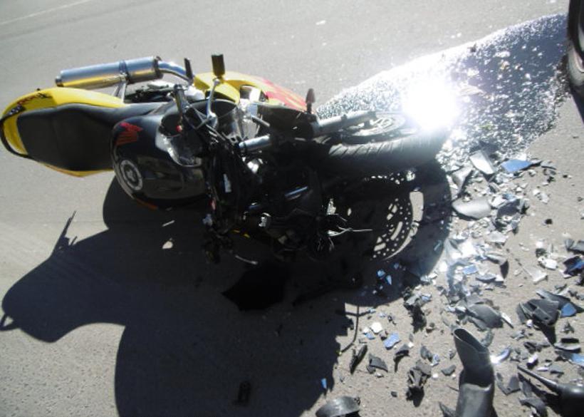 Под Новороссийском БМВ не заметил мотоцикл