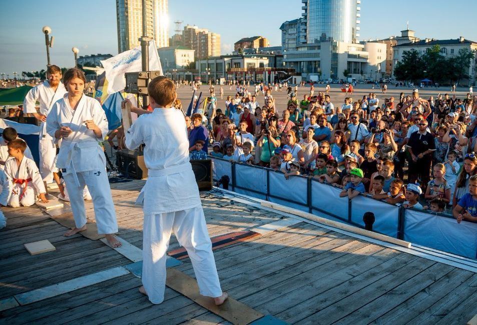 Афиша выходного дня: Новороссийск ворвется вспорт, искусство ирок-музыку