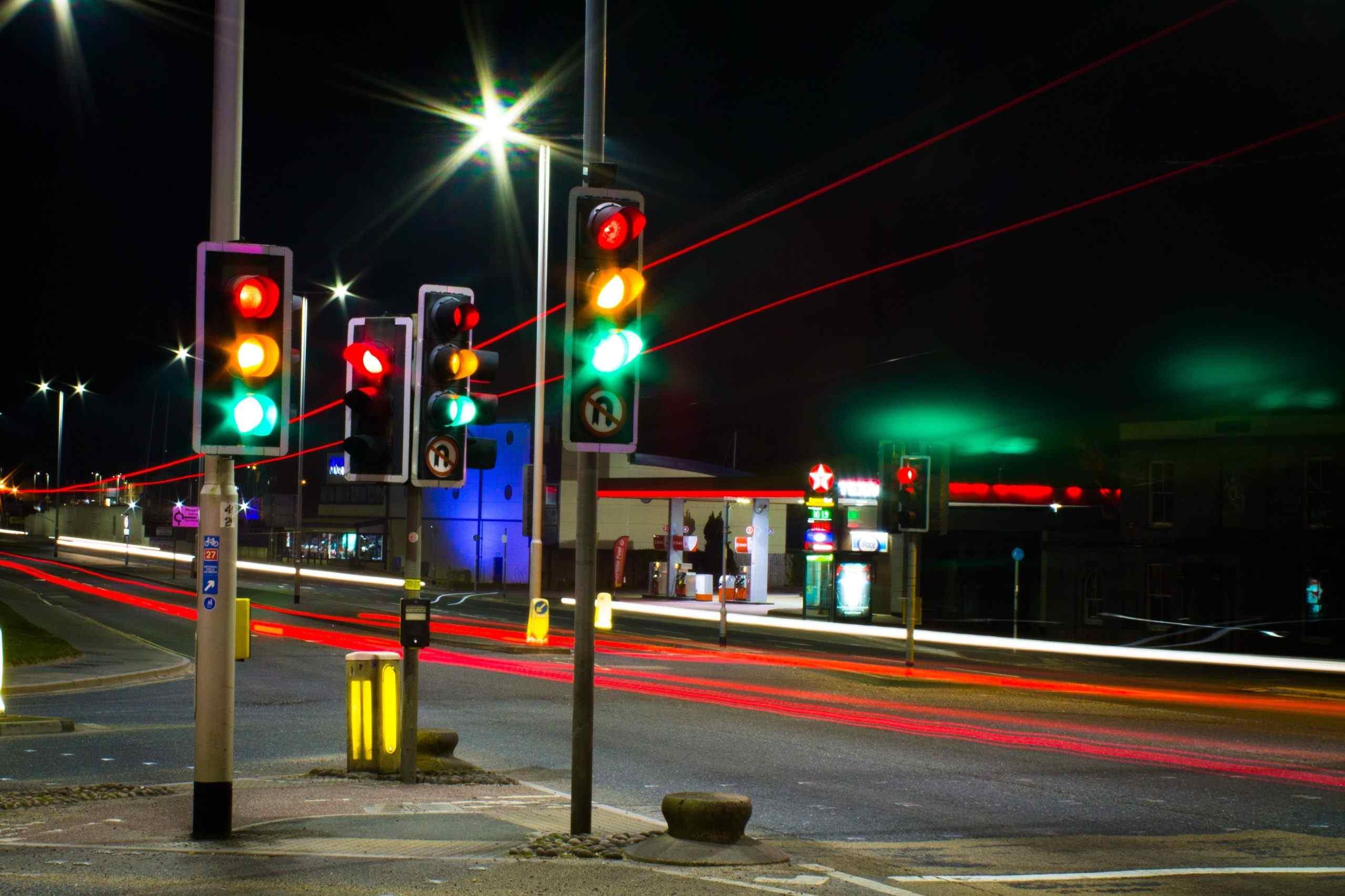 Спервого июля вНовороссийске небудут отключать светофоры наночь