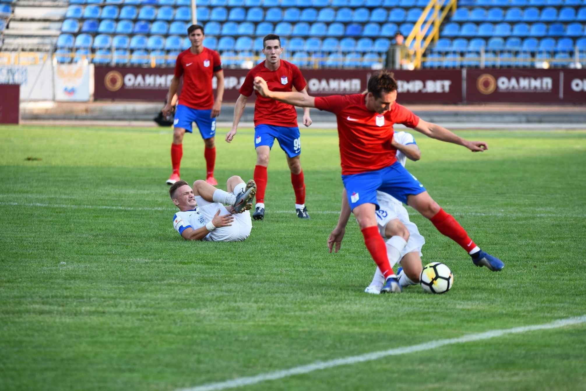 Новороссийский футболист наступил нагрудь сопернику