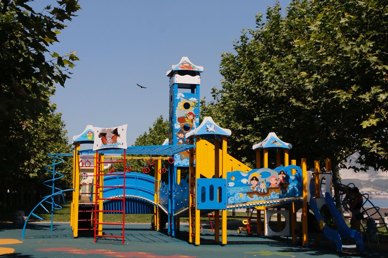 В Новороссийске нет новых детских площадок по вине подрядчика