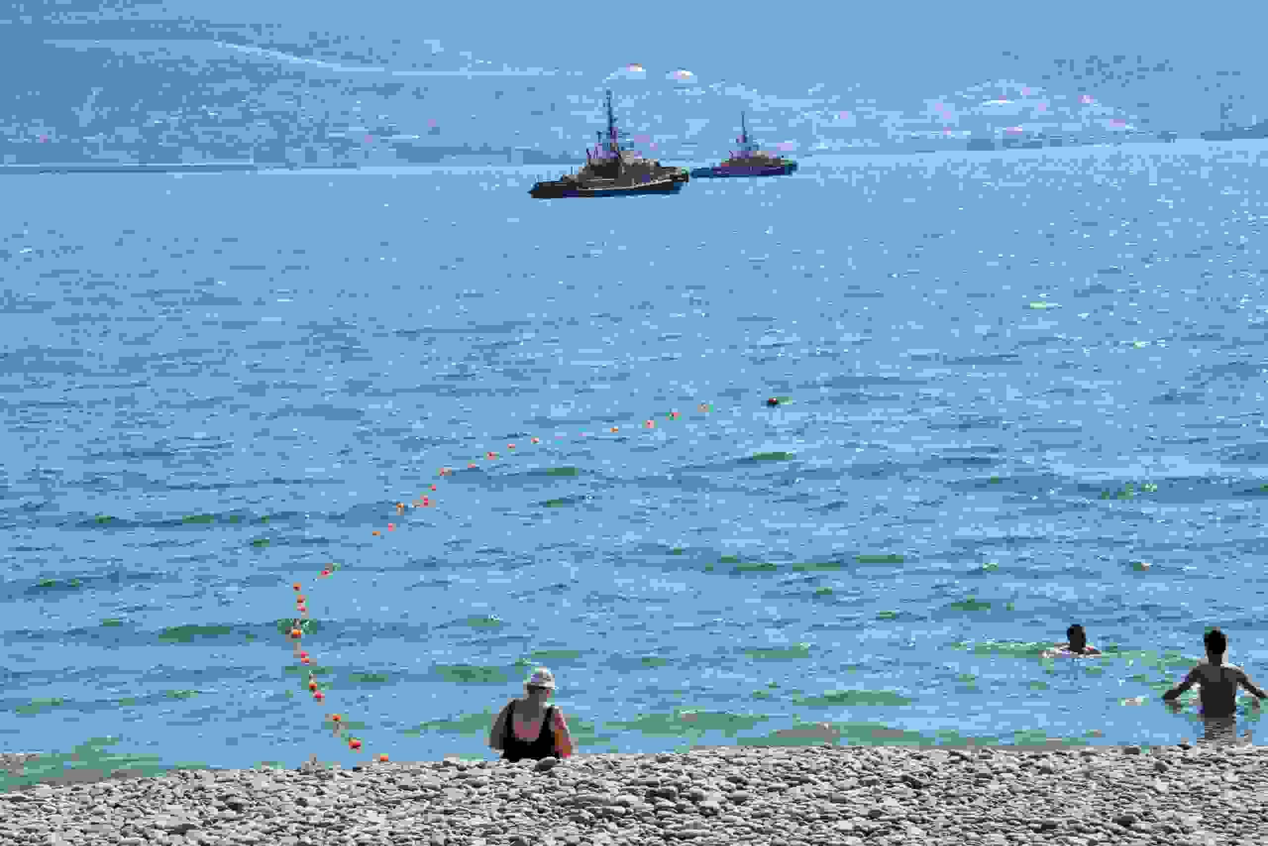 В Новороссийске чуть не утонули две пятилетние девочки. И две женщины