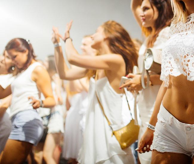 «Белая вечеринка» в честь Дня Центрального района Новороссийска!