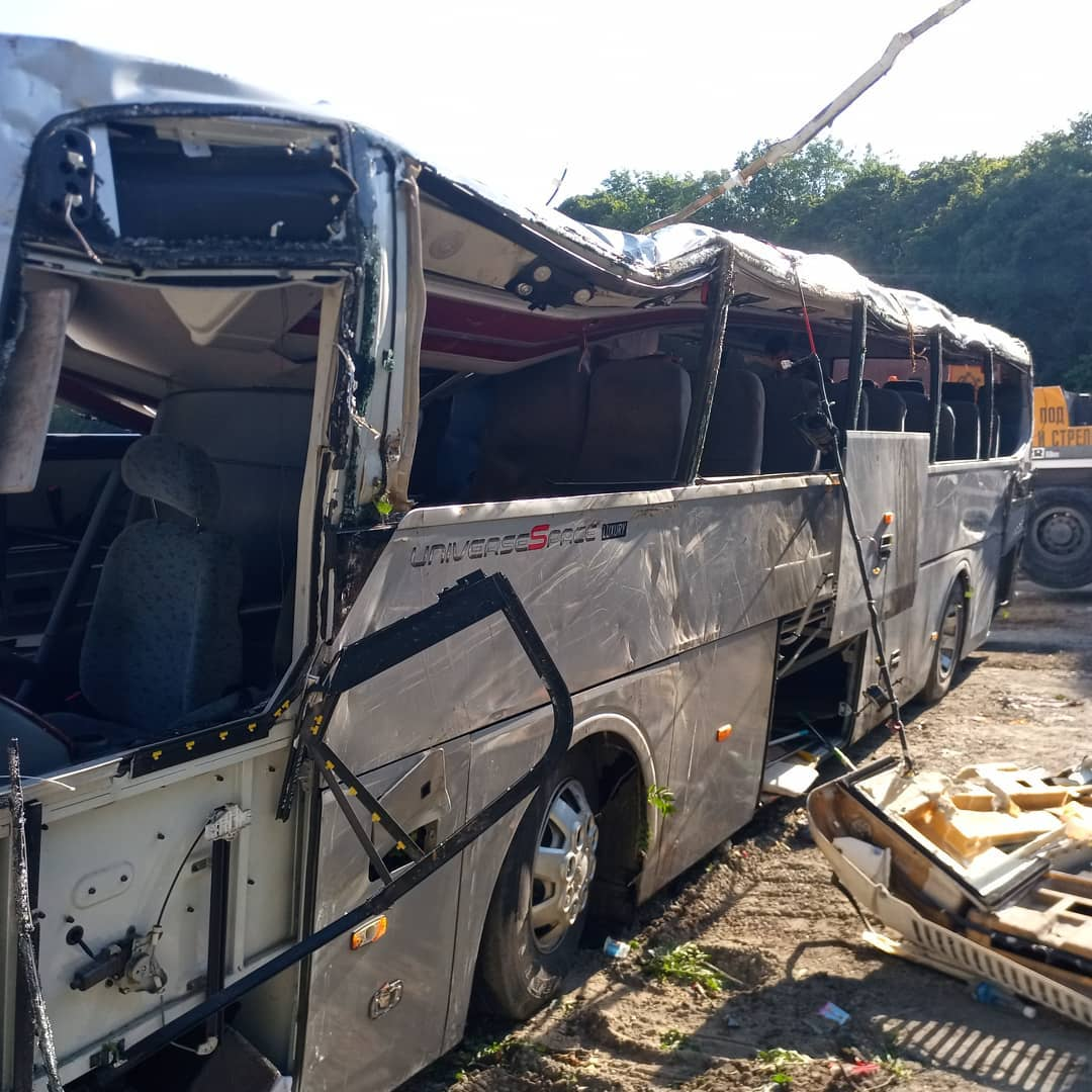 Опубликован список пострадавших в ночном ДТП с экскурсионных автобусом