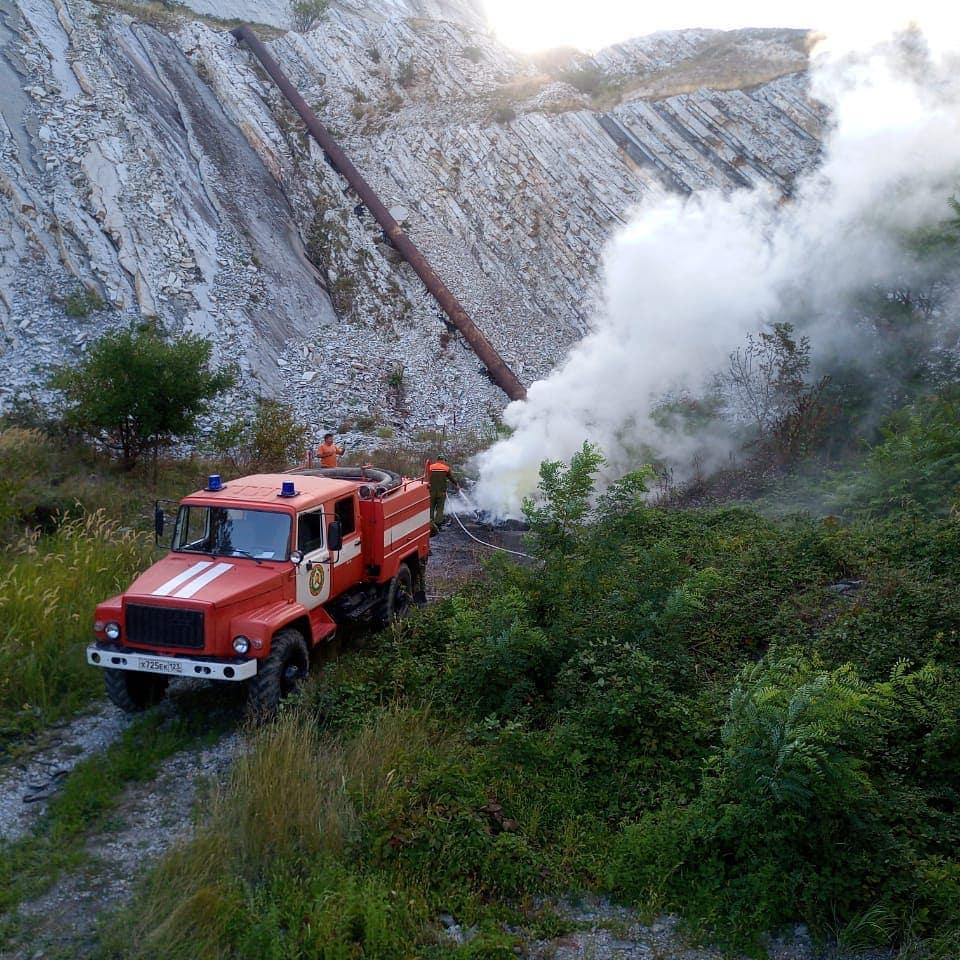 ВНовороссийске снова горели горы