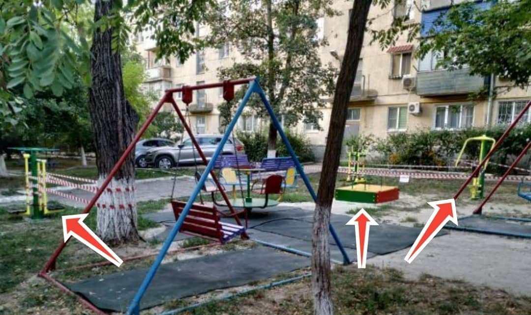 В Новороссийске детская площадка появилась и… исчезла на следующий день