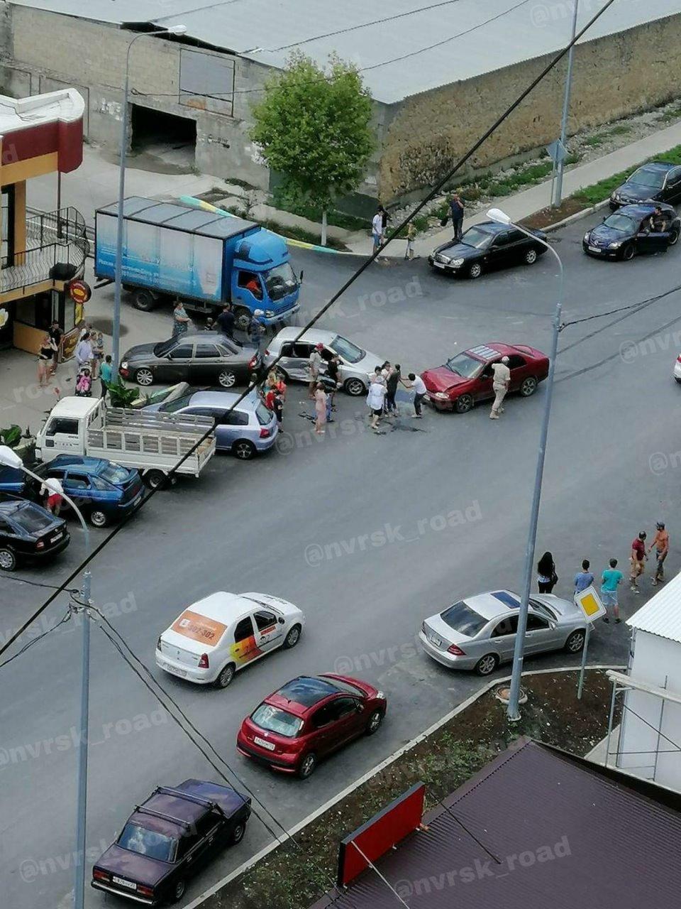 В Новороссийске во время ДТП из машины вылетел шестимесячный ребенок