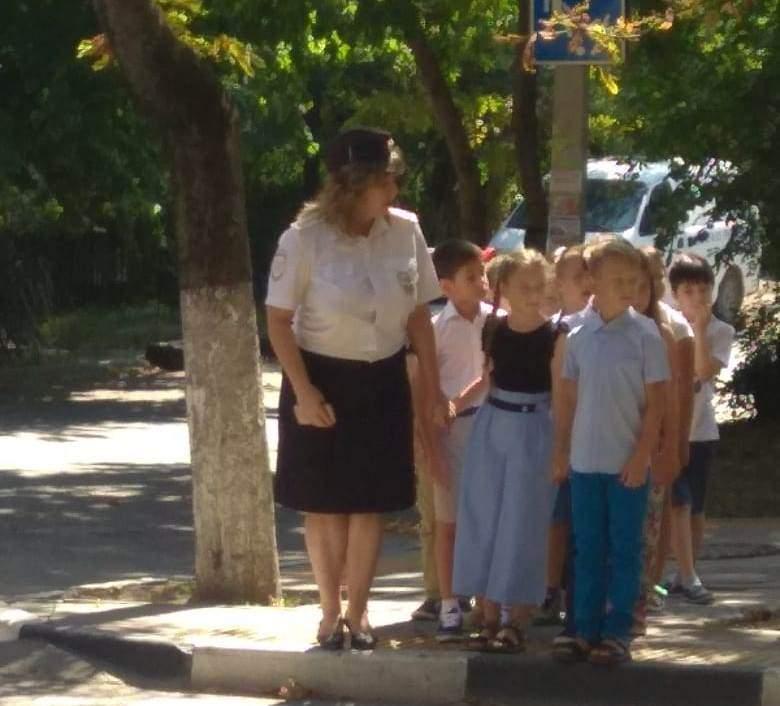 В Новороссийске школьникам показали безопасную дорогу в школу