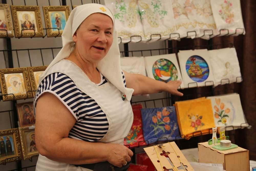 В Новороссийске проходит самая добрая и полезная выставка ремесел