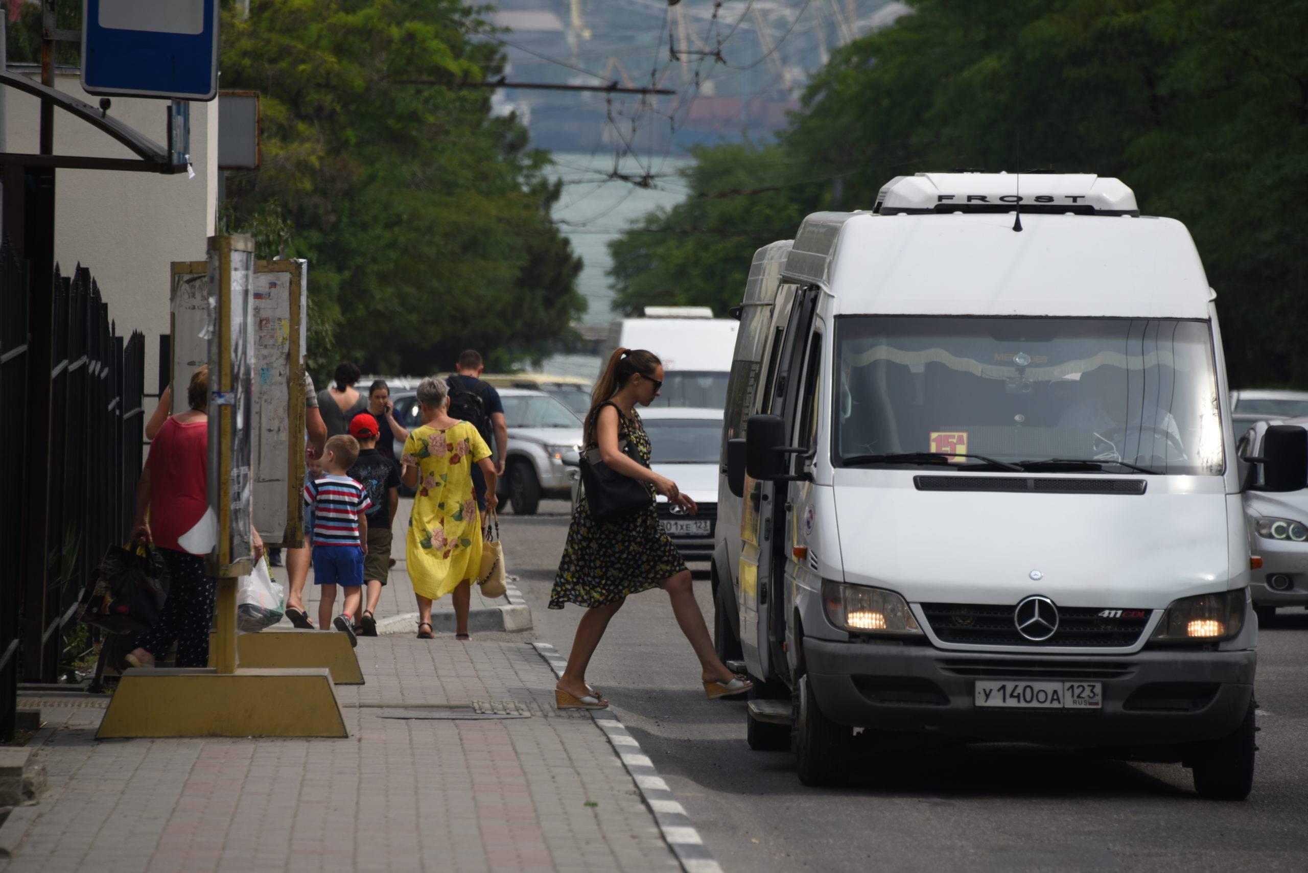 Воспитанием водителей новороссийских маршруток займутся работодатели