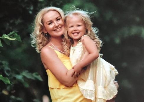 Ребенок не выжил: еще одна жертва столкновения экскурсионного автобуса и внедорожника