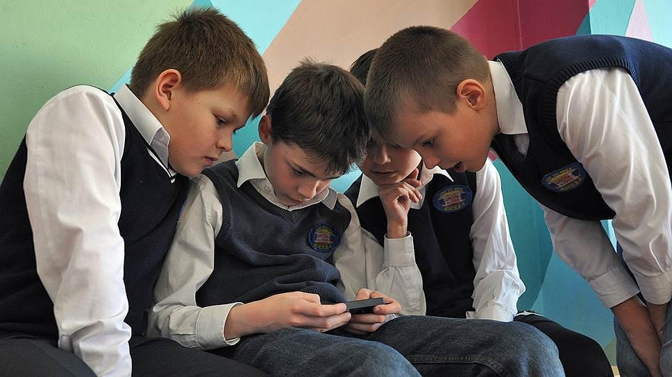 Запретятли мобильные телефоны вновороссийских школах?