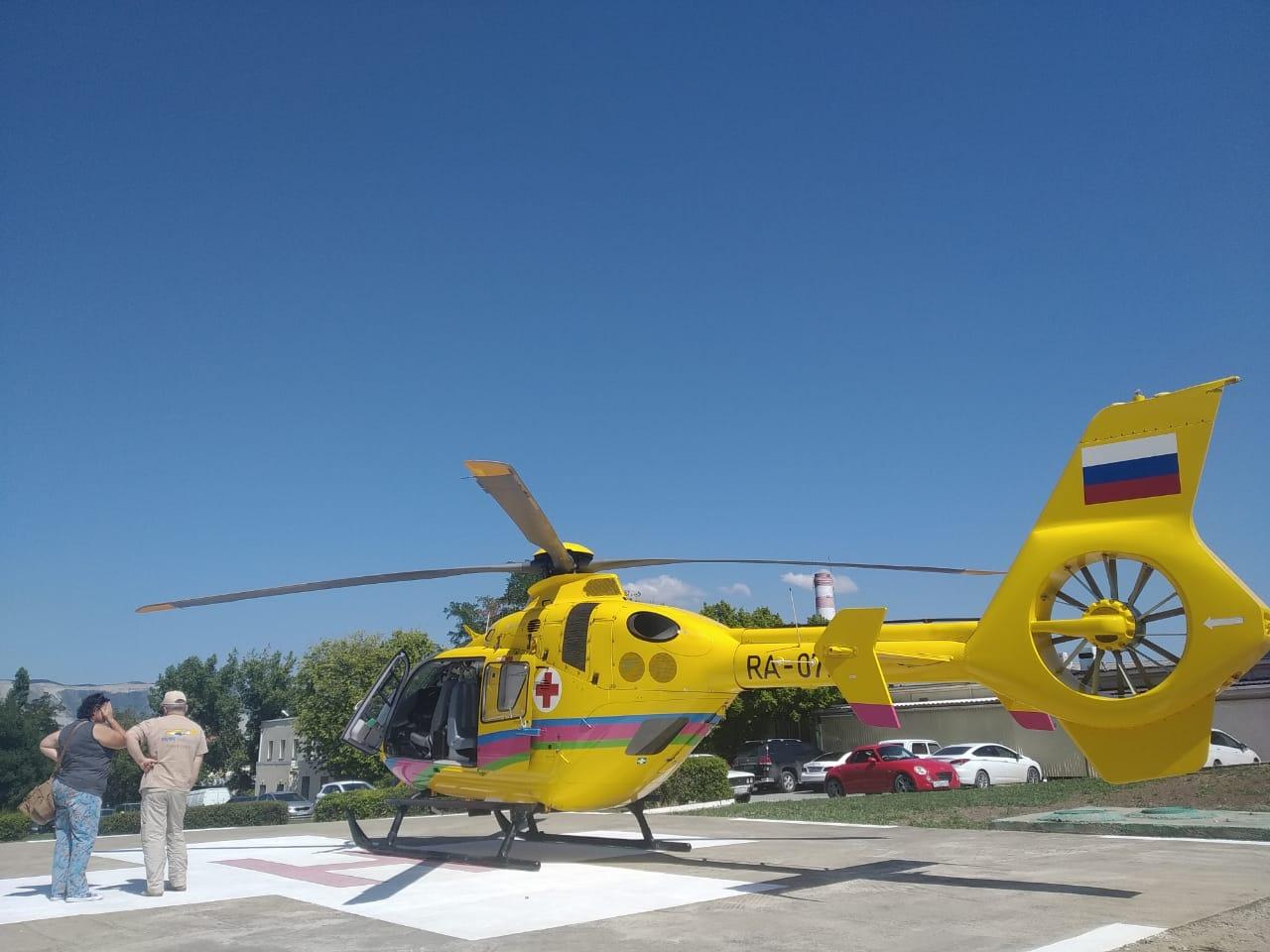 Особо тяжелых забирали из Новороссийска вертолетом