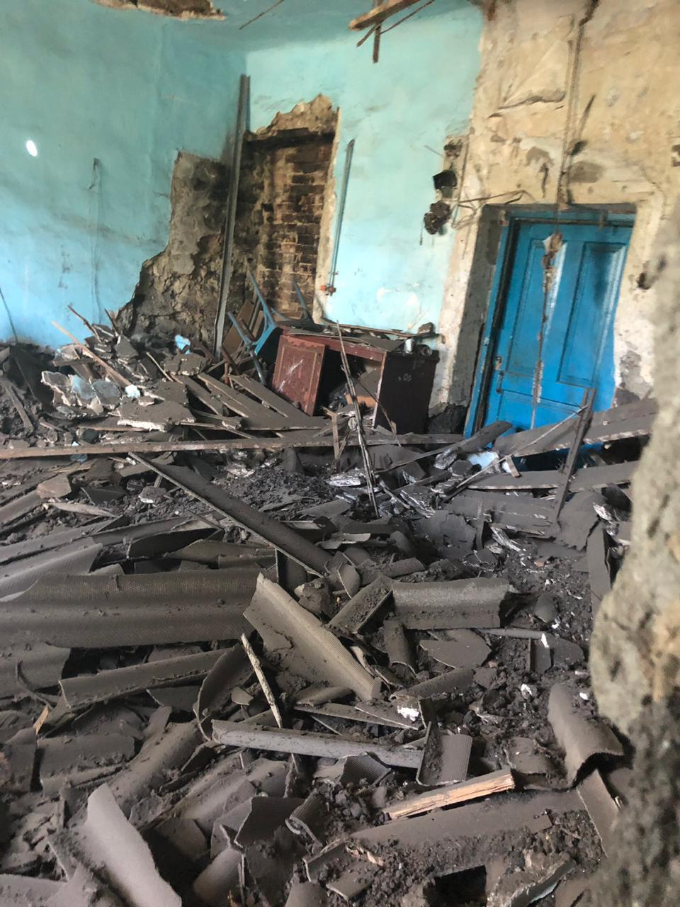 В доме 2 рухнул потолок. И это не шоу, а новороссийская реальность