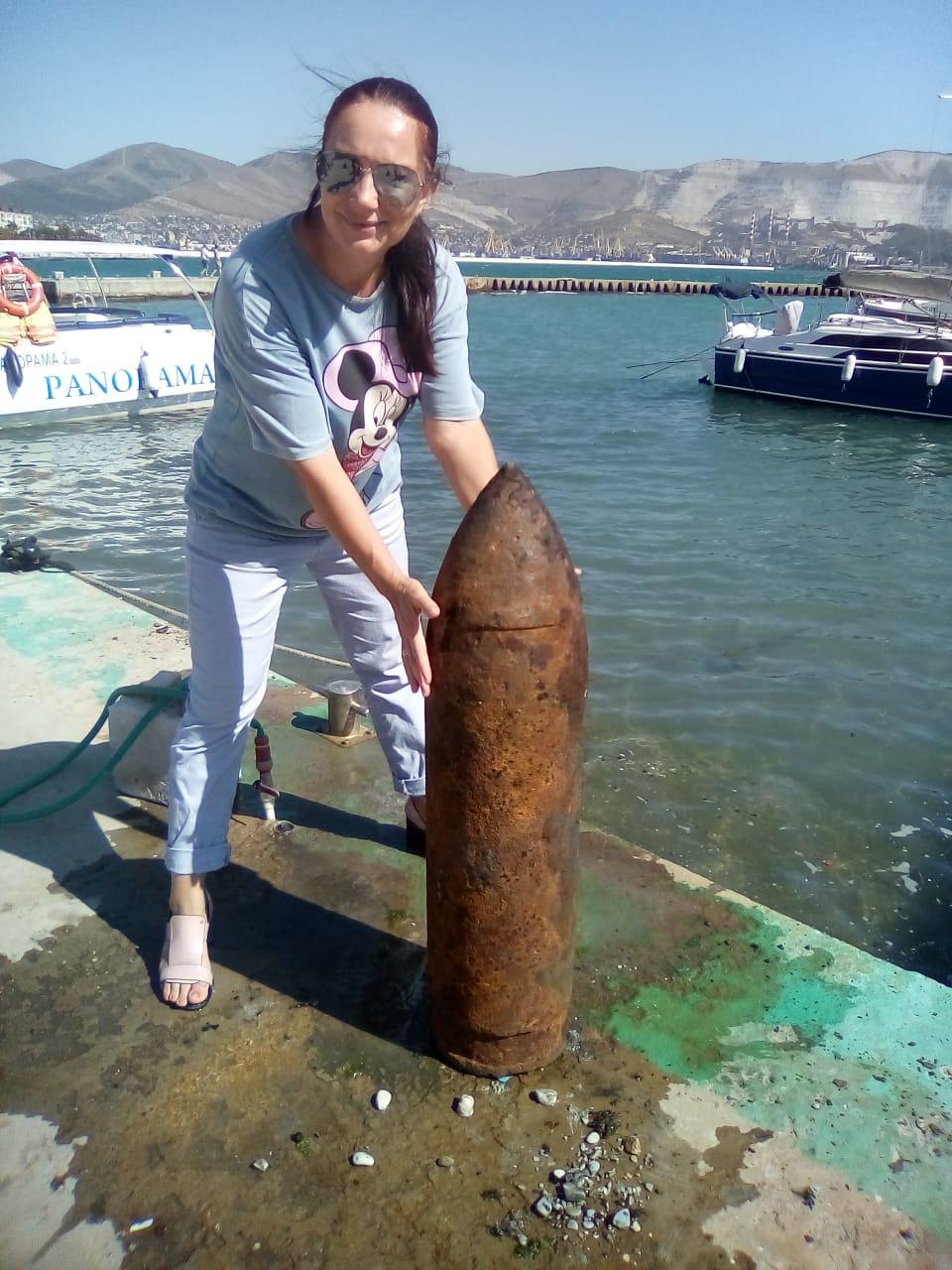 Мария Ананьева с находкой дайверов