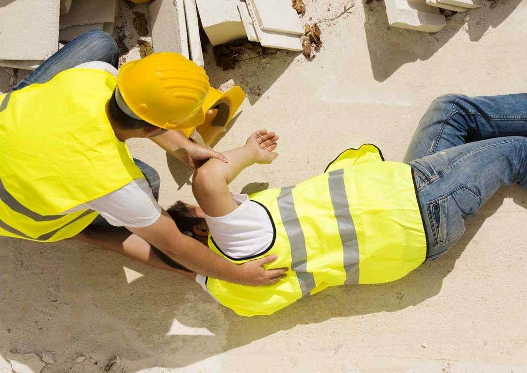 В Новороссийске на рабочем месте сломали спину
