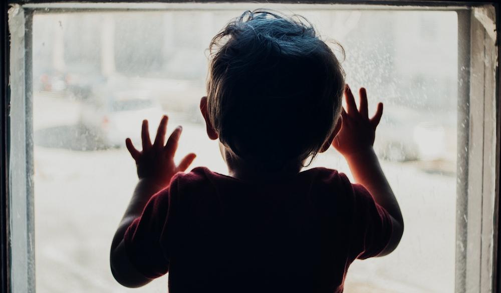 В Новороссийске две матери бросили детей соседям и исчезли