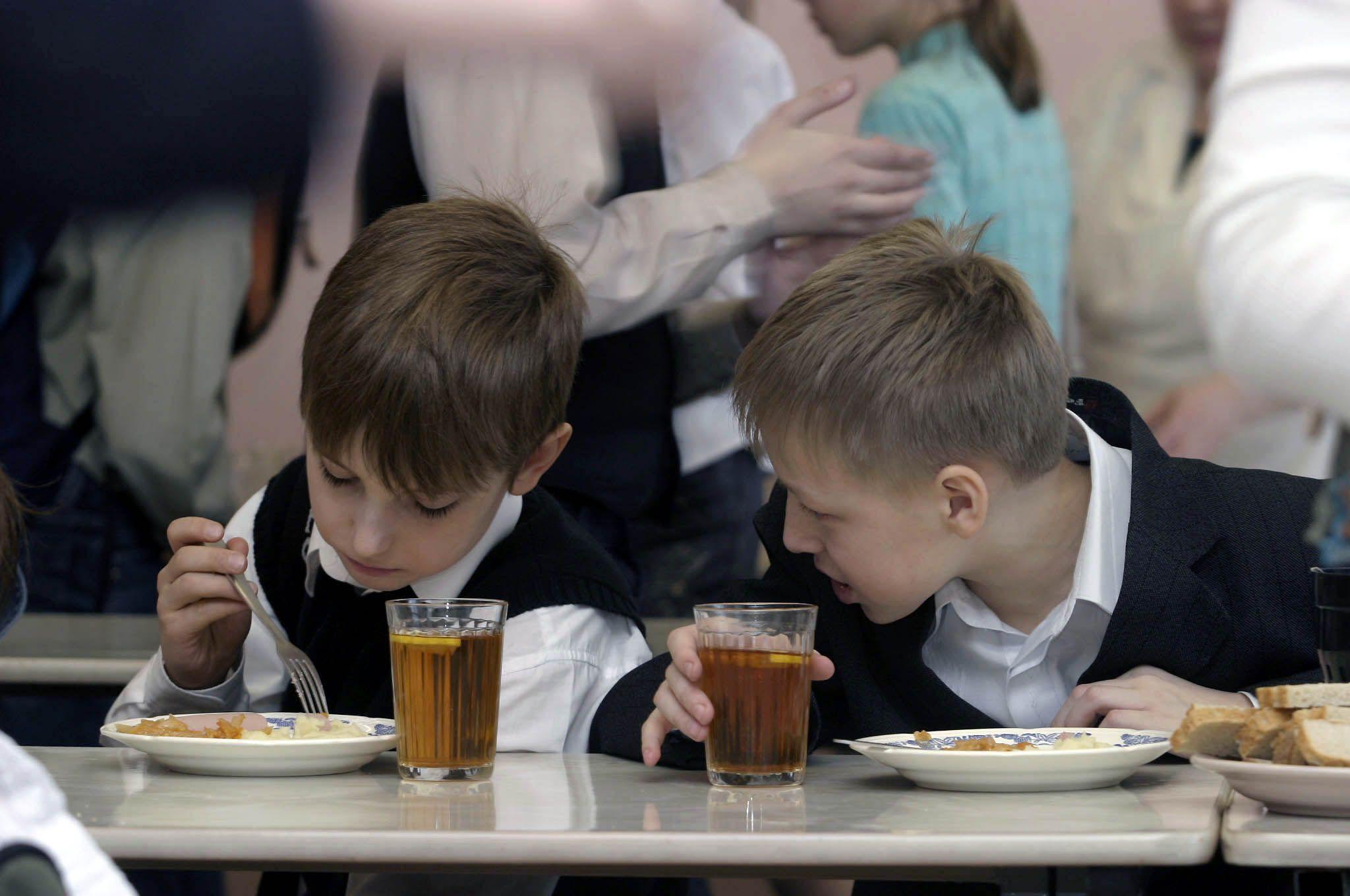 Новороссийских школьников обещают кормить хорошо