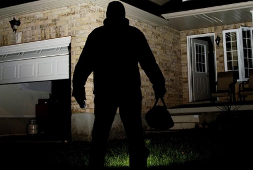 В Новороссийске мужчина обкрадывал дома перед рассветом