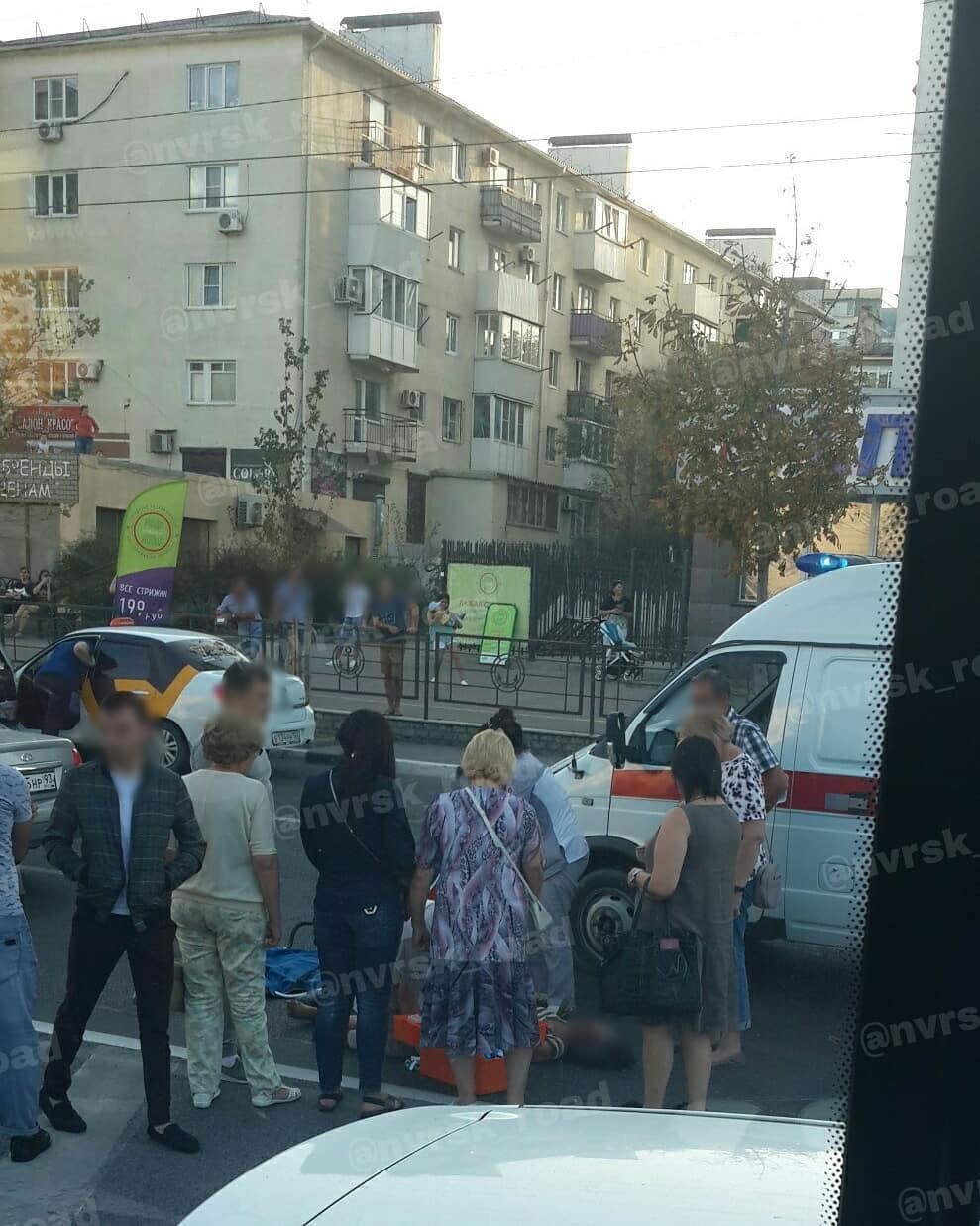 Под Новороссийском столкнулись два микроавтобуса