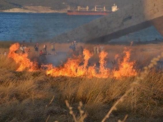 Пожар на Малой земле в Новороссийске