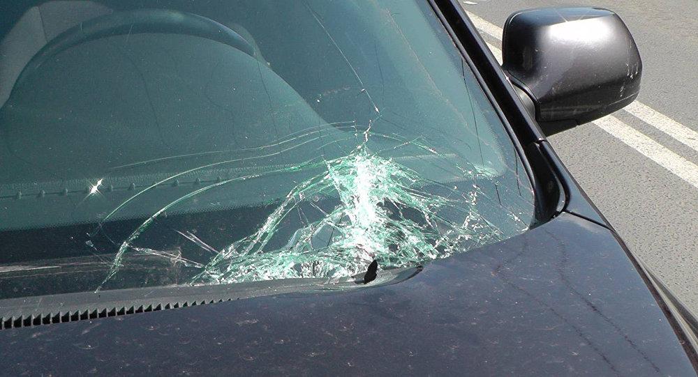 ВНовороссийске супружеские пары впылу ссоры разбили две чужие машины