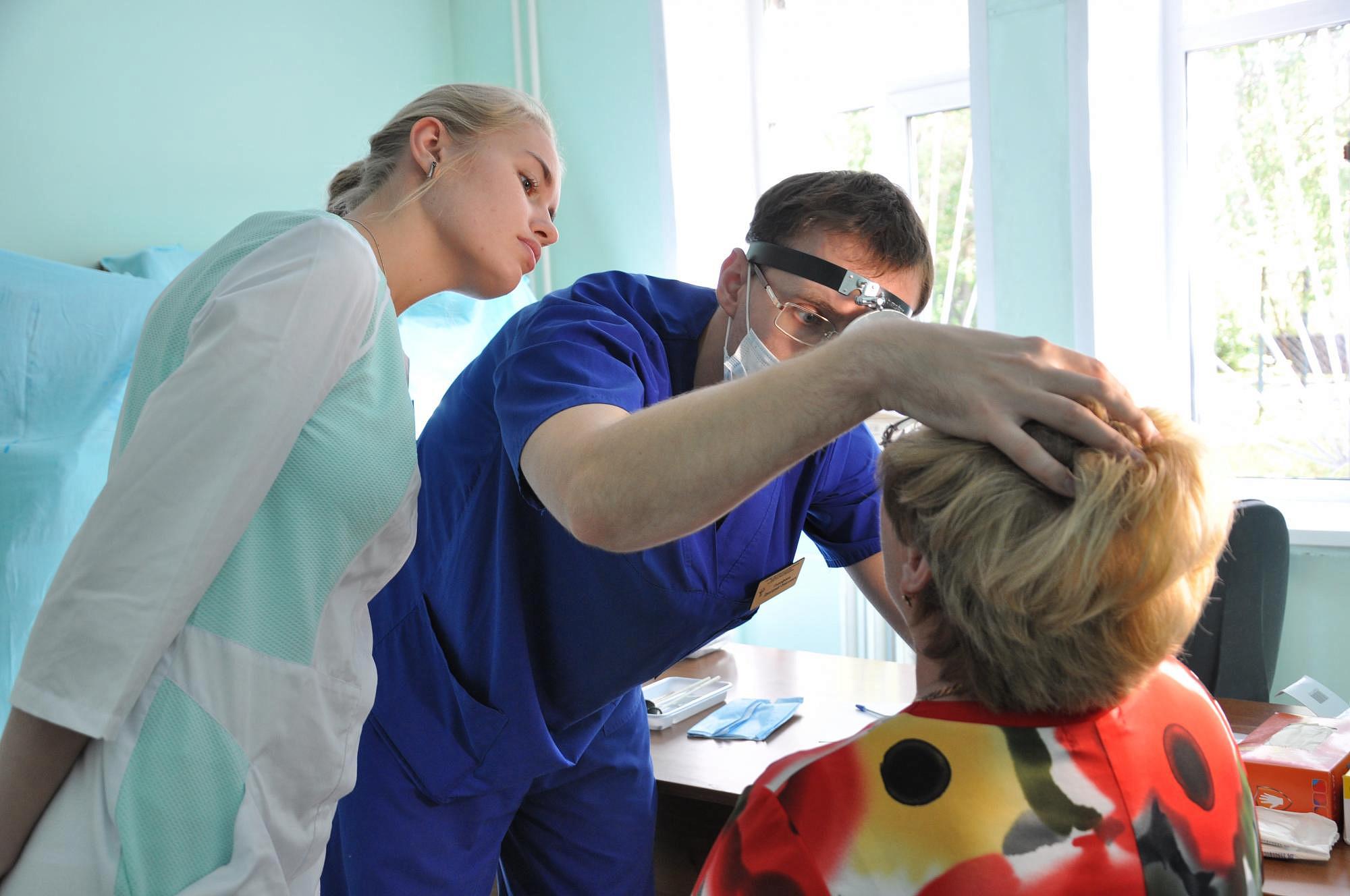 В Новороссийске онкологи проверят всем желающим горло