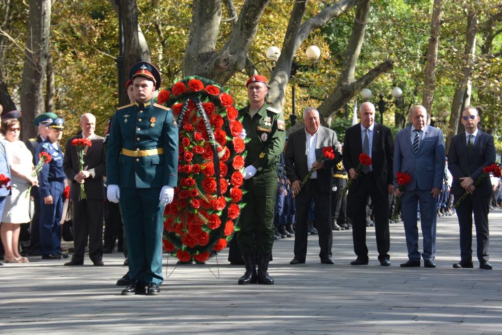 В Новороссийске глава немецкого города посадил дерево дружбы