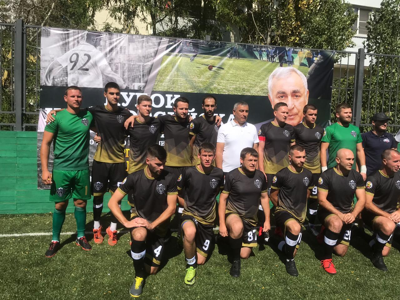 В Новороссийске стартовал футбольный турнир на обновленной спортплощадке