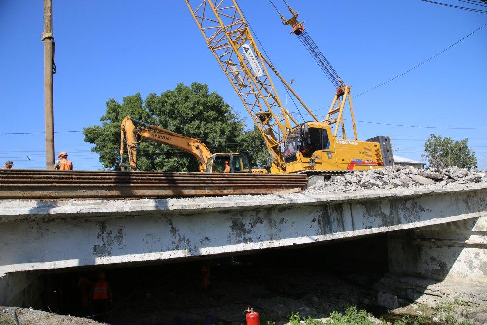Мост в Цемдолине под Новороссийском будут ремонтировать год